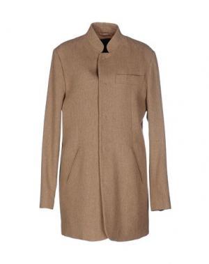 Легкое пальто DENHAM. Цвет: песочный