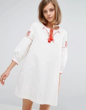Vanessa Bruno Athé Парусиновое платье с вышивкой Athe. Цвет: белый