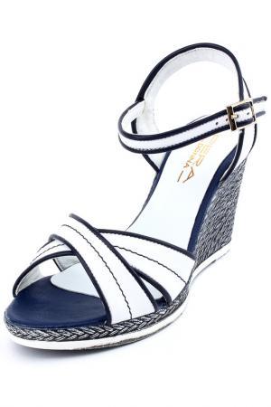 Туфли летние открытые PERA DONNA. Цвет: белый