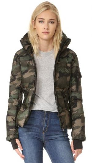 Камуфляжная куртка Freestyle SAM.. Цвет: зеленый
