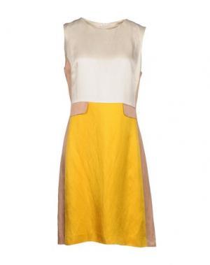 Короткое платье FABRIZIO LENZI. Цвет: охра