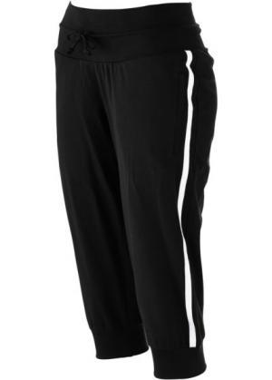 Спортивные бриджи стретч (черный) bonprix. Цвет: черный