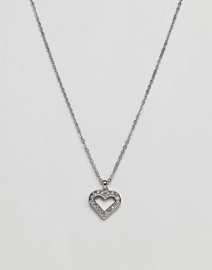 Ted Baker Серебристое ожерелье с сердцем-подвеской. Цвет: серебряный