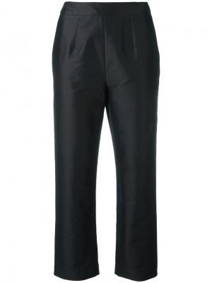 Укороченные строгие брюки Isa Arfen. Цвет: чёрный