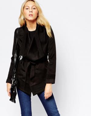 Jovonnista Пальто с запахом Phoebe. Цвет: черный