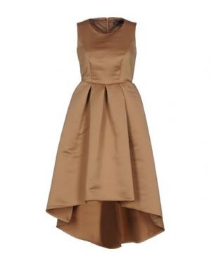 Короткое платье SOALLURE. Цвет: верблюжий