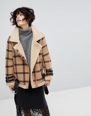J.O.A Куртка в клетку с подкладкой из искусственной овечьей шерсти. Цвет: рыжий