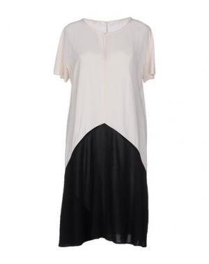 Короткое платье SUOLI. Цвет: слоновая кость