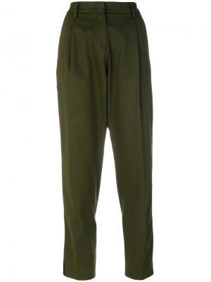 Укороченные строгие брюки Essentiel Antwerp. Цвет: зелёный