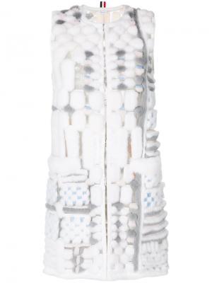 Sleeveleshort Sleeve Cardigan Coat In Long & Sheared Mink Fur Applique On Tulle Thom Browne. Цвет: серый