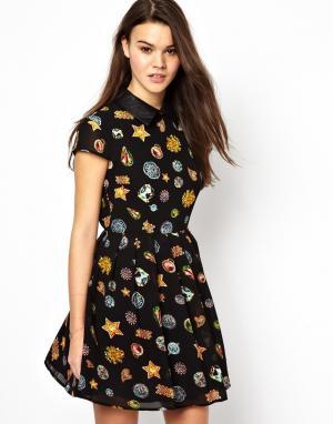 Платье с воротником в кожаном стиле  MuriAnn Jovonnista. Цвет: черный