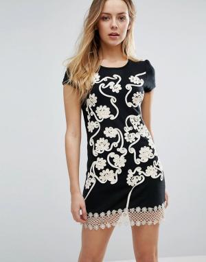 Jasmine Цельнокройное платье с цветочной отделкой и кружевом кроше. Цвет: черный