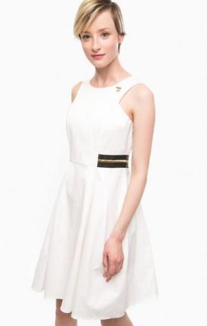 Приталенное платье и хлопка белого цвета POIS. Цвет: белый