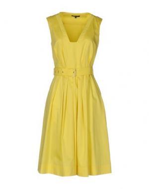 Платье до колена TARA JARMON. Цвет: желтый