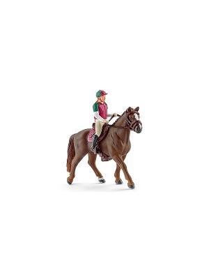 Наездник: фигурка наездницы с лошадью SCHLEICH. Цвет: бежевый, бордовый, зеленый, коричневый