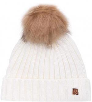 Однотонная вязаная шапка из акрила R.Mountain. Цвет: молочный