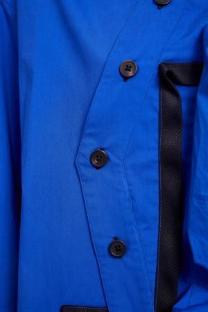 Синяя рубашка с большими карманами Yuzhe Studios. Цвет: синий