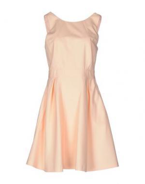 Короткое платье TARA JARMON. Цвет: абрикосовый