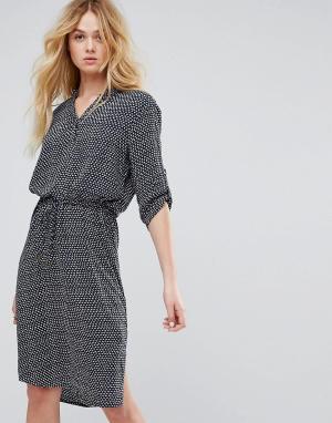Soaked in Luxury Платье-рубашка с принтом. Цвет: мульти