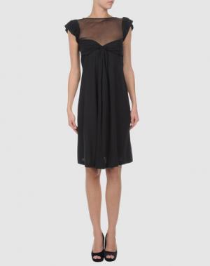 Короткое платье AINOS. Цвет: черный