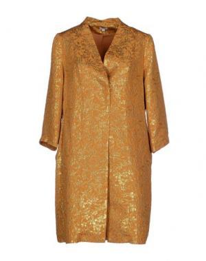 Легкое пальто INTROPIA. Цвет: охра