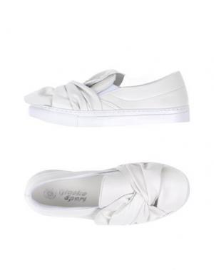 Низкие кеды и кроссовки GIACKO. Цвет: белый