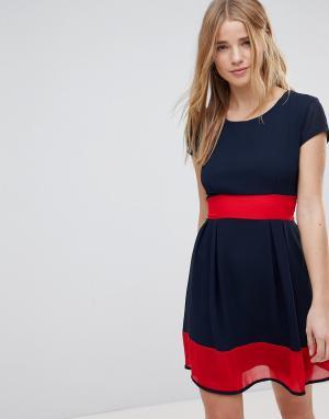 Wal G Короткое приталенное платье. Цвет: темно-синий