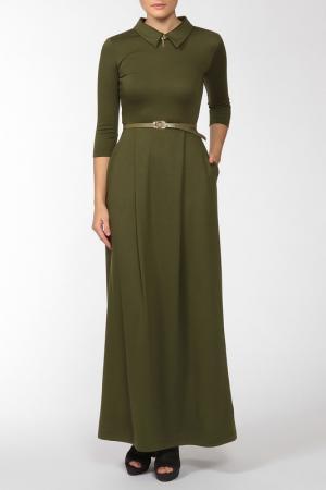 Платье с брошью, ремнем Domena. Цвет: оливковый