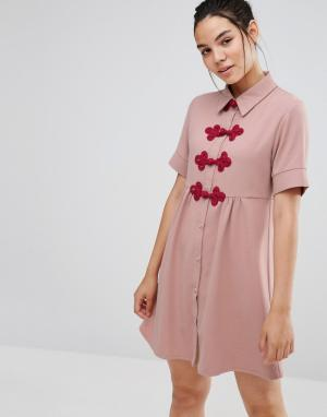 Sister jane Платье-рубашка с короткими рукавами и застежками кроше. Цвет: розовый