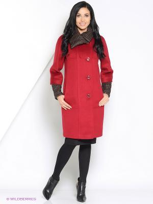Пальто Amulet. Цвет: бордовый