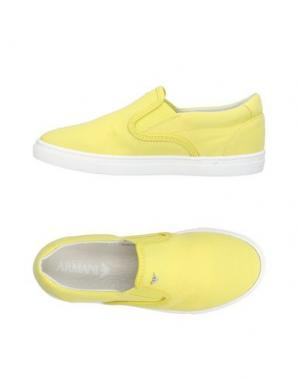 Низкие кеды и кроссовки ARMANI JUNIOR. Цвет: желтый
