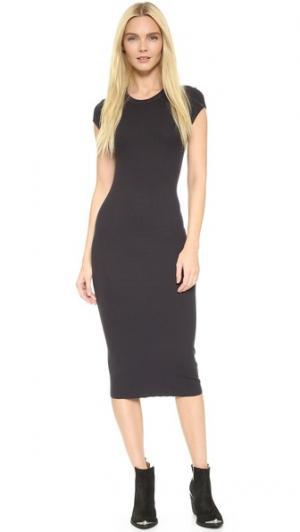 Платье с короткими рукавами Enza Costa. Цвет: фантом