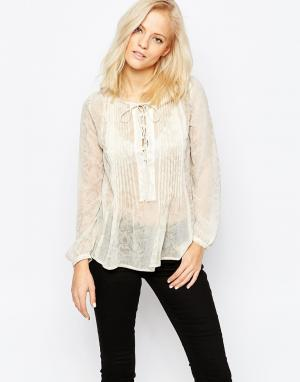 Greylin Рубашка на шнуровке в стиле бохо Zuri. Цвет: белый