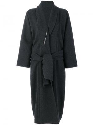 Пальто с запахом и булавкой Daniela Gregis. Цвет: серый
