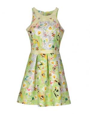 Короткое платье PICCIONE•PICCIONE. Цвет: кислотно-зеленый