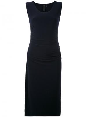 Классическое приталенное платье Norma Kamali. Цвет: синий