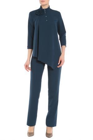 Комплект: свободная блуза, классические брюки и брошь Adzhedo. Цвет: синий