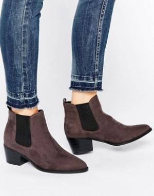 Head Over Heels Серые ботинки челси на каблуке By Dune Perina. Цвет: серый