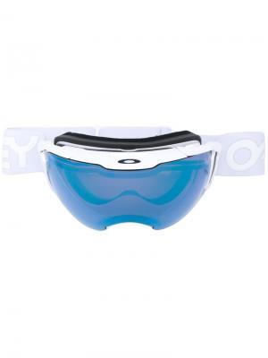 Объемные солнцезащитные очки Oakley. Цвет: белый