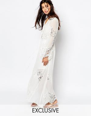 White Sand Шифоновое платье макси с кружевной отделкой Excalibur. Цвет: белый