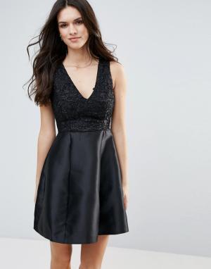 AX Paris Приталенное платье с кружевным верхом. Цвет: черный