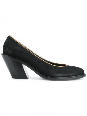 Туфли-лодочки с золотистой окантовкой A.F.Vandevorst. Цвет: чёрный