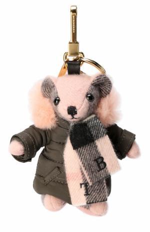 Брелок Thomas Bear в пуховом пальто Burberry. Цвет: розовый