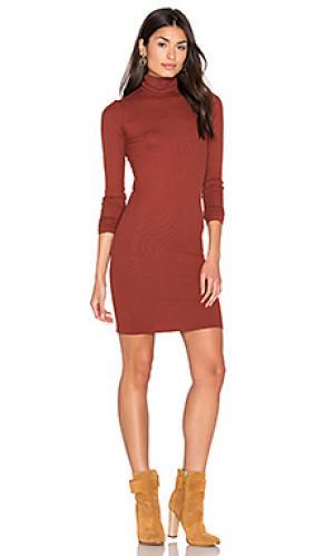 Мини платье в рубчик с высоким воротом и длинным рукавом Enza Costa. Цвет: ржавый