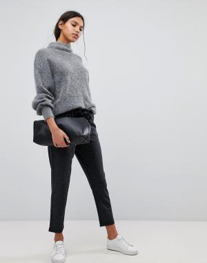 Selected Укороченные свободные брюки Femme. Цвет: серый