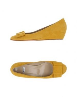 Туфли NATAN. Цвет: желтый