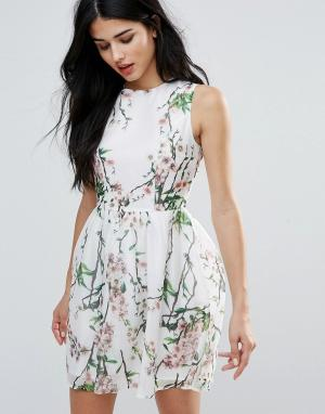 Zibi London Короткое приталенное платье с цветочным и лиственным принтом Lond. Цвет: розовый