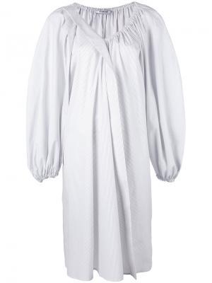 Полосатое мешковатое платье Chalayan. Цвет: белый