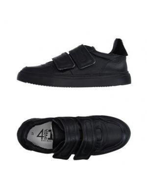 Низкие кеды и кроссовки QUATTROBARRADODICI. Цвет: черный