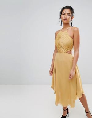 Keepsake Платье миди с вырезом Elevate. Цвет: золотой